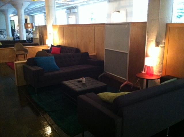 Impromtu meeting space is very 70s...